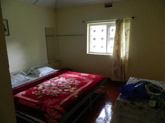 Comfort Homestay - Bee Hive: Bedroom 3: Queen