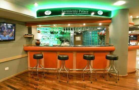 Sarmiento Palace Hotel: Bar 24 hs