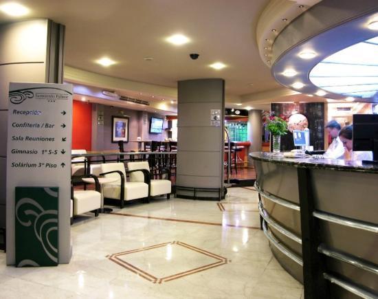 Sarmiento Palace Hotel: Recepción 24 hs