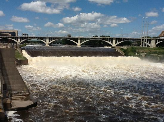St. Anthony Falls: Mighty Mississippi flowing over the 'Falls'
