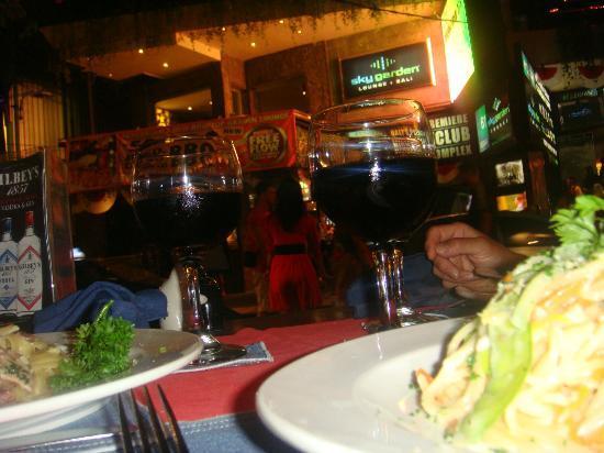 Maccaroni Club: vinhos e alimentos