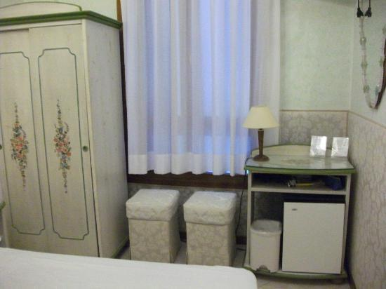 Hotel San Salvador: Bedroom
