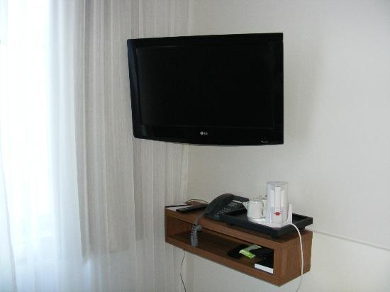 Scandic Stora Hotellet: Grande télévision écran plat