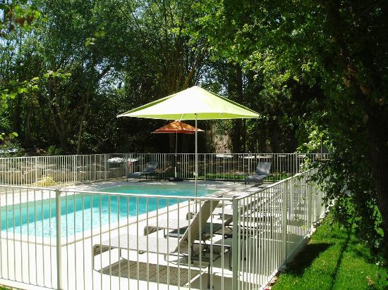 Suite-Home Aix en Provence Sud : la piscine