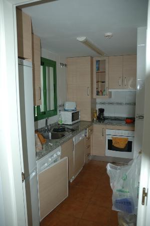 Pueblo El Goleto Aparthotel: Kitchen