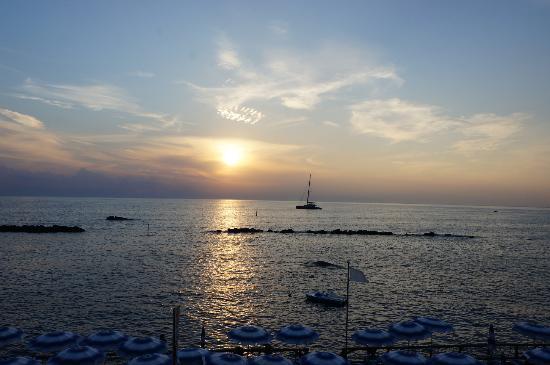 La Rotonda Sul Mare: закат