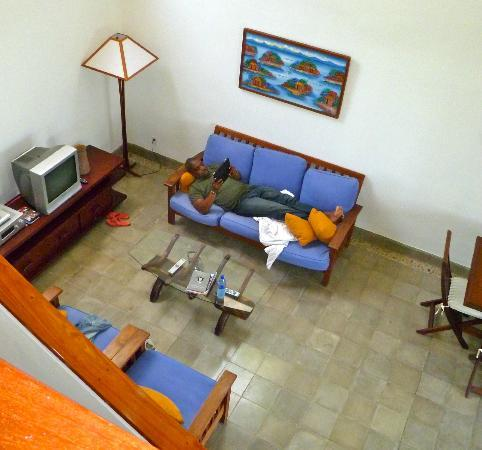 Villas de Palermo Hotel & Resort: Looking down at the living room from the front door