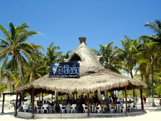 El Paraiso Restaurant and Beach Club: Restaurante / bar en la playa