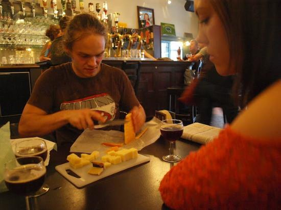 Local Brussels Beer Tours: The glorious cheese/beer pairing!