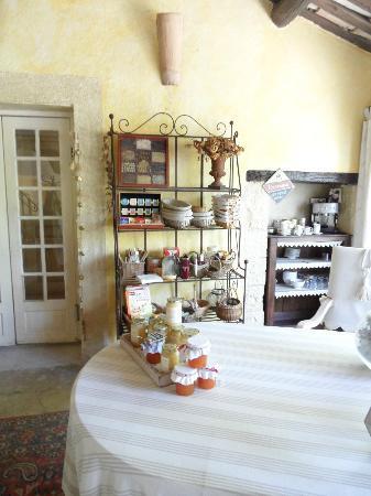 Mas du Pont Roman : dining room
