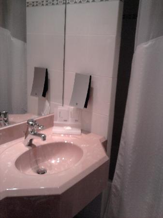 Holiday Inn Hasselt: bathroom