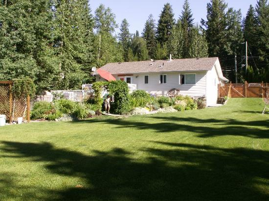 Arbor Bed and Breakfast: B&B from the backside