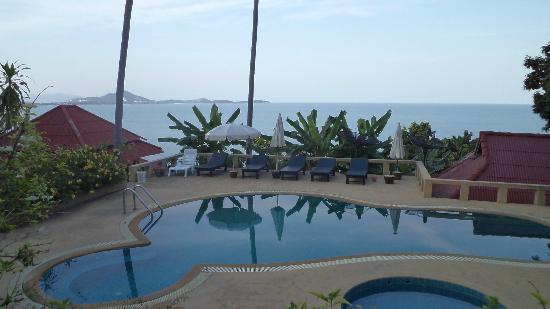 Hi Coral Cove Bungalow: бассейн