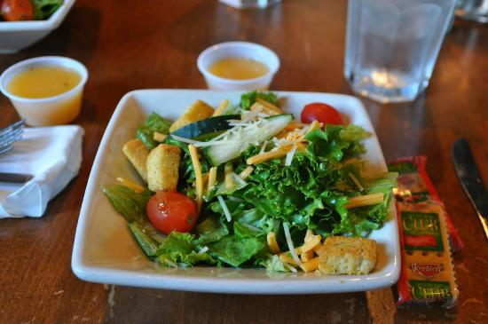 Old Talbott Tavern: Salad for dinner