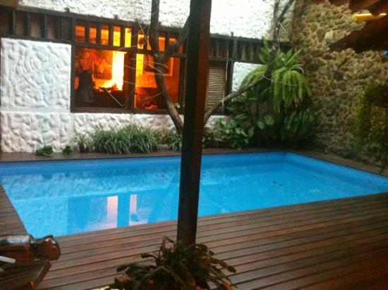 Pousada Arte Urquijo: piscina