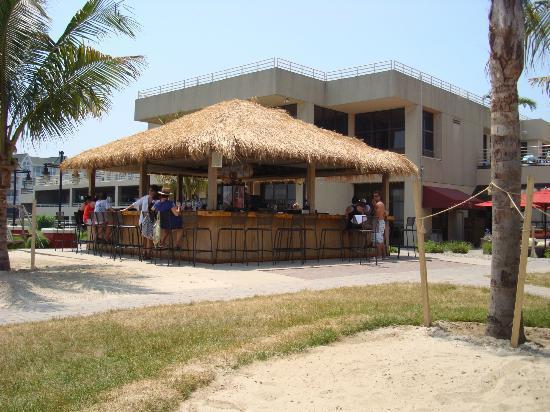 Ocean Place Resort & Spa: Tiki Bar