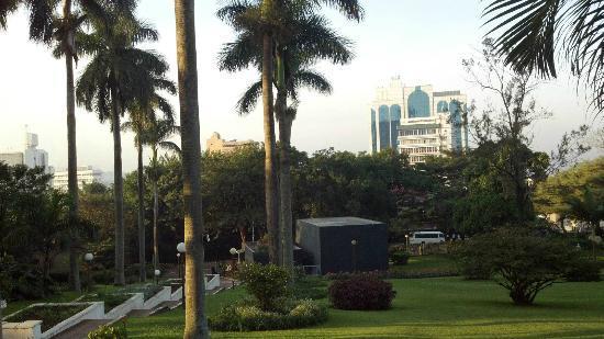 Sheraton Kampala Hotel: Garden on Hotel Property