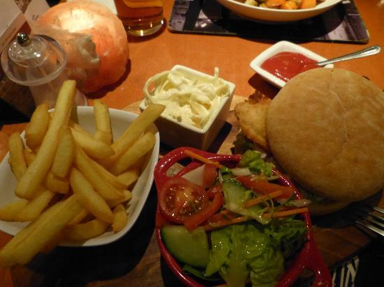Saffy's Cafe Bar & Brasserie: Chickenburger