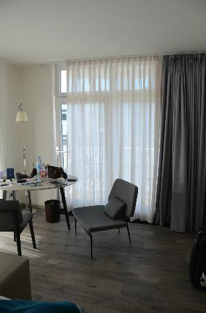 Hotel Am Meer: corner room with partial sea view