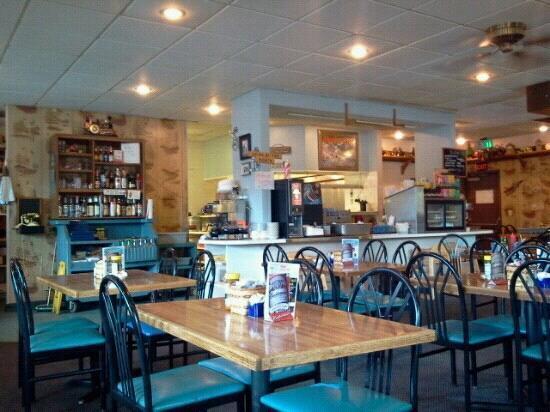 Ichabod's Restaurant: inside