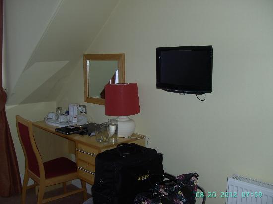 West Port Bar & Kitchen: Room 3