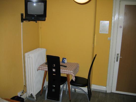 Hotel Kieler Hof : in a room