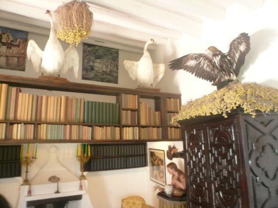 Maison et musée Salvador Dalí : Dali's decoration is surprising