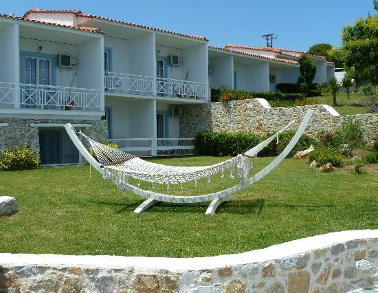Kivo Art & Gourmet Hotel: hammock near pool, relaxing