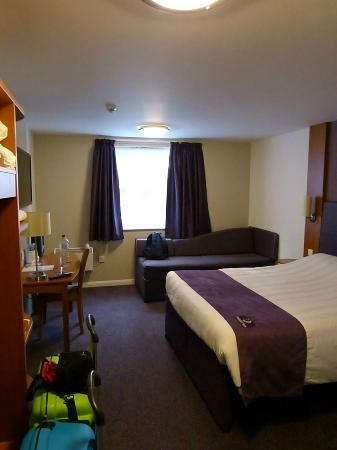 Premier Inn Dundee West Hotel: Schlafzimmer
