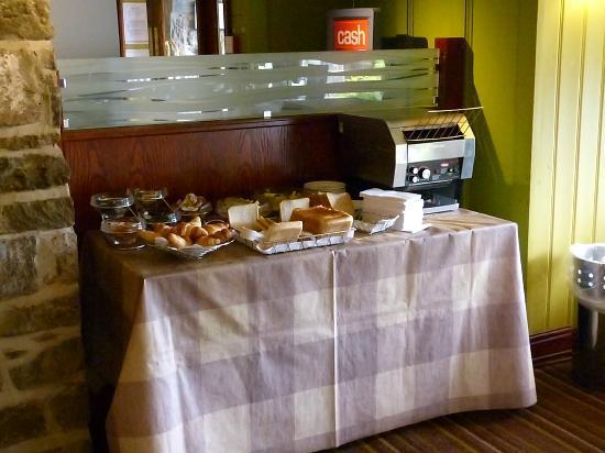 Premier Inn Dundee West Hotel: Frühstücksbuffet