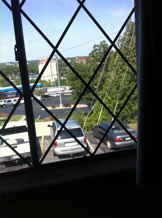 Windmill Inn & Suites: View from bedroom