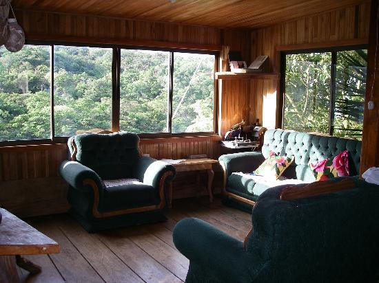 Sleepers Sleep Cheaper Hostel: Lobby/Living Room