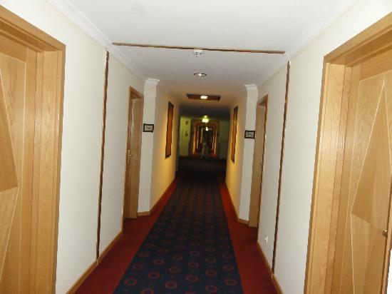 Vila Gale Tavira: Its a long walk to our room