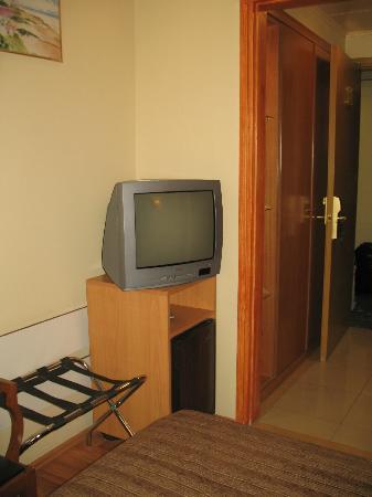 Lydia Hotel: Particolare della camera (TV)