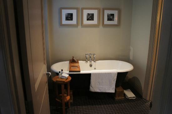 Hotel du Vin Cambridge: A great bath