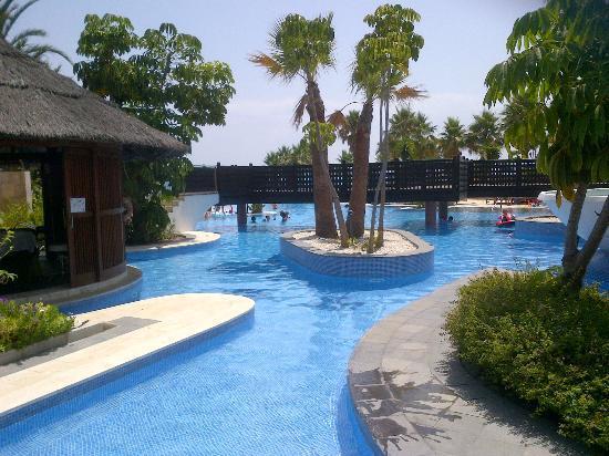 Mar Azul Resort Estepona : Just part of the great MAR AZUL pool area.