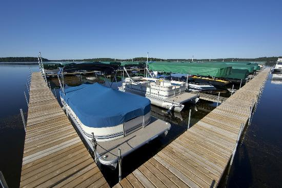 Ernies On Gull: Marina, Boat Slips and Boat Lifts With Canopies Available For Summer Rental