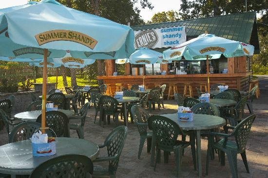 Ernies On Gull : Outdoor Dining On The Patio At The Summer Shandy Shack