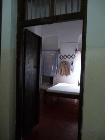 Zanzibar Stone Town Lodge: du couloir privé entrée de la chambre face a la salle de douche