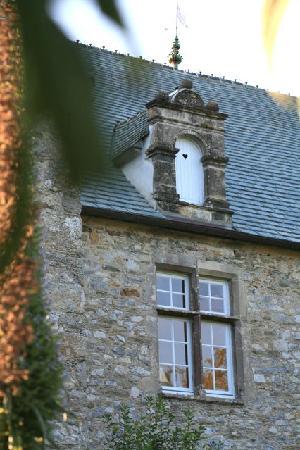 Le Manoir de la Fieffe: Fenêtres à meneaux et Lucarnes