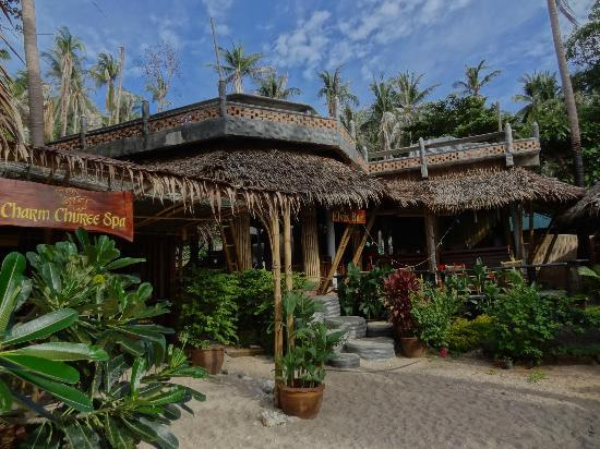 Charm Churee Villa: Die Elvis Bar am Privatstrand des Charm Churree