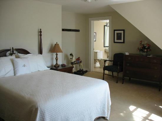DesBarres Manor Inn: Our Canso Suite