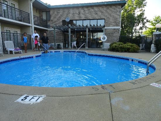 Rodeway Inn: The nice small pool