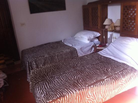 Hostal El Anon: notre chambre. sous la piscine :-)
