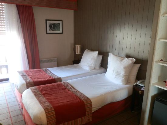 Mercure Deauville Centre : Our hotel room