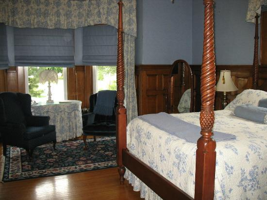 Antigonish Victorian Inn: another room view