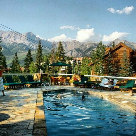 Mountain Lodge Telluride, A Noble House Resort: Can't beat this pool
