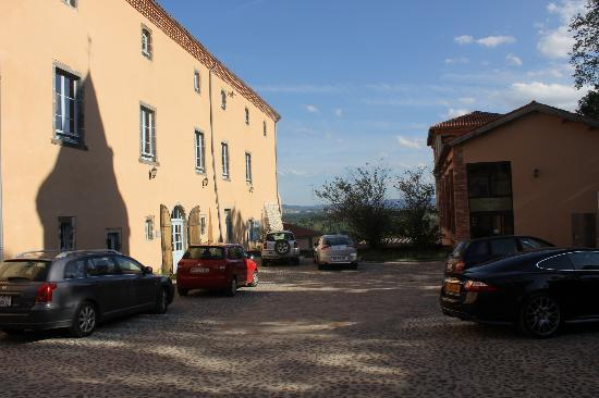 Domaine St Roch: View of rear of hotel from parking area