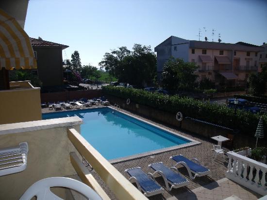 Hotel Rivadoro : piscina