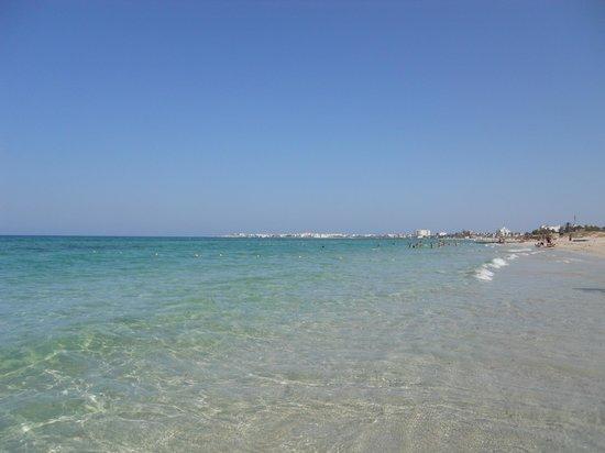 Sirocco Beach: mare spettacolo
